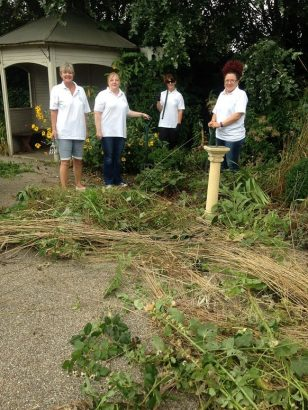 ag-volunteering-at-weston-hospicecare-7-sep-2016