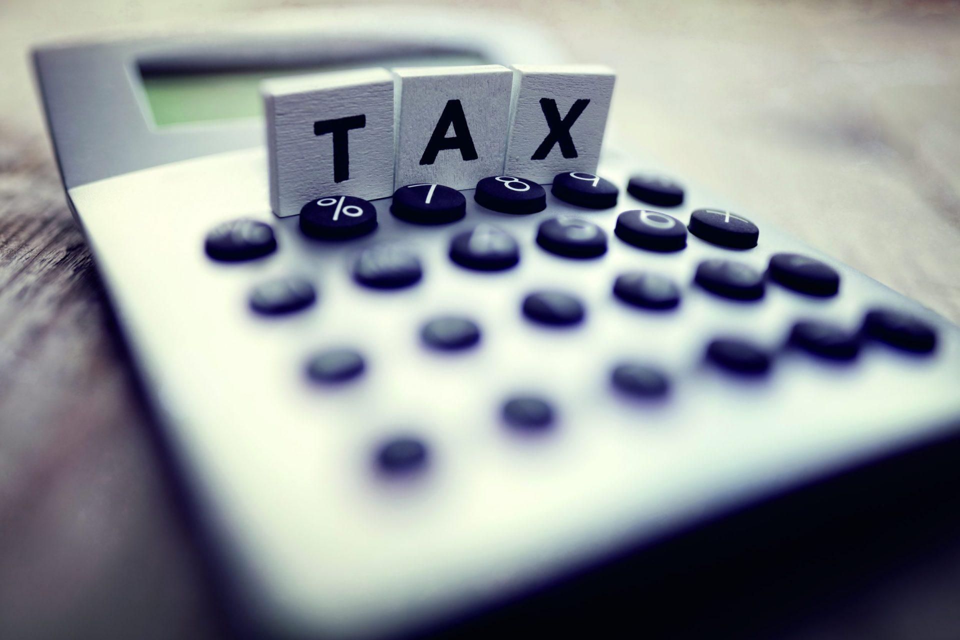 calculating-tax-PMQMKCF